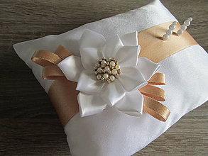 Úžitkový textil - Vankúš pod obrúčky - 8130226_
