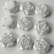 Korálky - Ružička plast 13mm-biela perleť-1ks - 8131111_