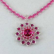 Náhrdelníky - Fuchsiovo-strieborný náhrdelník so SW príveskom I. - 8130195_