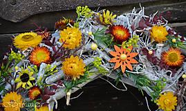 Dekorácie - Veniec na dvere zo sušených kvetov - 8128772_