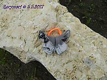 Ozdoby do vlasov - Motýlik je šedo ligotavý - 8129680_