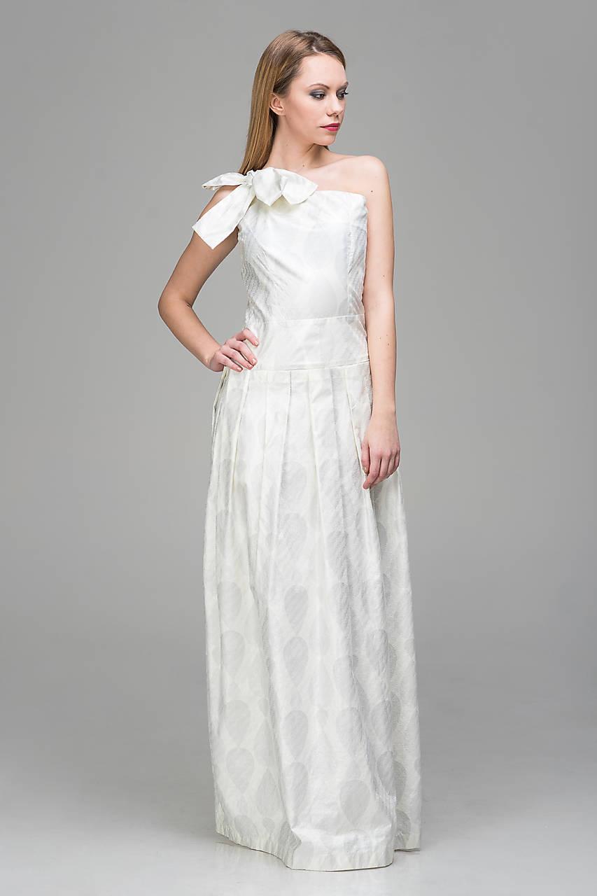 Exclusive biele od dizajnérky Lucie Kirinovič   LuciaKirinovic ... 96f17b4c297