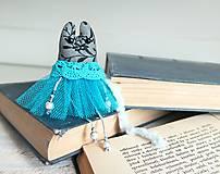 Brošňa modré mačiatko