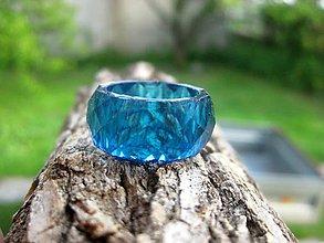 Prstene - Farebný živicový prsteň brúsený - 8130441_