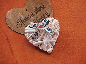 Darčeky pre svadobčanov - Darček pre hostí - prútené srdce s mašličkou - 8128608_