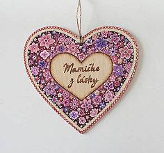 Dekorácie - Maľované srdiečko ''Mamičke z lásky'' - Kvetinový záhon - 8132990_