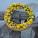 Dekorácie - Venček na dvere zo sušených kvetov - 8134308_