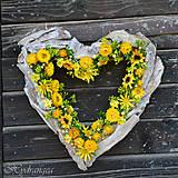 Dekorácie - Venček na dvere - srdce - sušené kvety - 8134388_