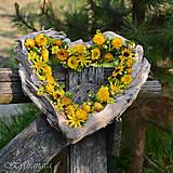 Dekorácie - Venček na dvere - srdce - sušené kvety - 8134556_
