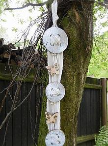 Dekorácie - Gombíková nálada s motýlikmi - 8136802_