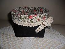 Košíček z rifloviny.