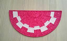 Úžitkový textil - Obrúsky v tvare polkruhu - 8135460_