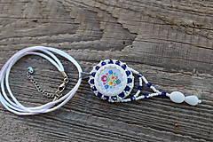 Náhrdelníky - náhrdelník s ľudovým motívom modrý - 8139362_