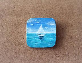 Odznaky/Brošne - Maľovaná brošňa - Vietor v plachtách - 8138064_
