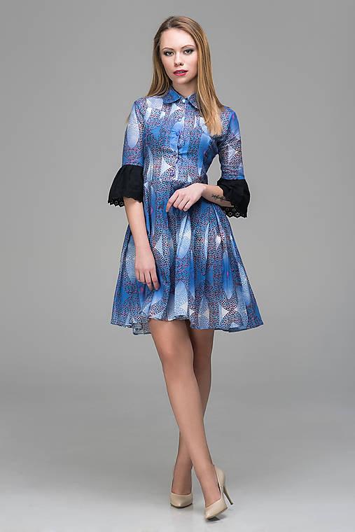 cbda9a895640 Fialkové šaty s volánmi by Lucia Kirinovič   LuciaKirinovic - SAShE ...