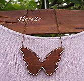 Náhrdelníky - Motýľ z mahagónového dreva - 8144919_