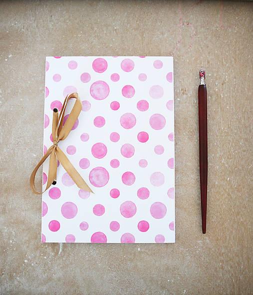 Bodkovaný zápisník