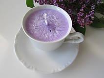 Svietidlá a sviečky - Šálkosviečka v bielom porceláne (Levanduľová) - 8149360_