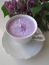 Svietidlá a sviečky - Šálkosviečka v bielom porceláne (Levanduľová) - 8149362_