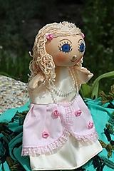 Maňuška. Bábika Princezná Jaromilka.