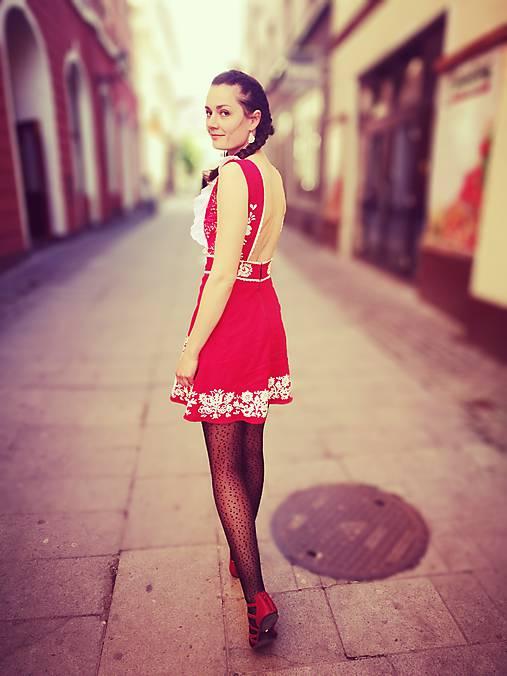 Šaty - Červené ľanové šaty s ,,výšivkou,, - 8146881_