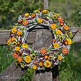 Dekorácie - Veniec na dvere zo sušených kvetov - 8149167_