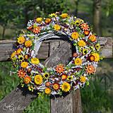 Dekorácie - Veniec na dvere zo sušených kvetov - 8149205_