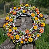 Dekorácie - Veniec na dvere zo sušených kvetov - 8149222_