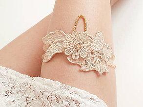 Bielizeň/Plavky - Béžová kvetinová čipka (telová, nude, champagne) so zlatou štrasovou retiazkou - podväzok - 8148299_