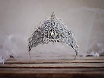 Ozdoby do vlasov - fantasy koruna z krajky, s perličkami a štrasem - 8147768_