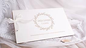 Svadobný album biely
