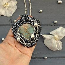 Náhrdelníky - Tale of Pearl Maiden n.2 - vyšívaný náhrdelník  - 8152822_