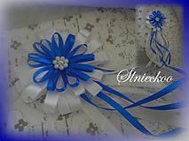 Svadobné pierko starejší kráľovská modrá