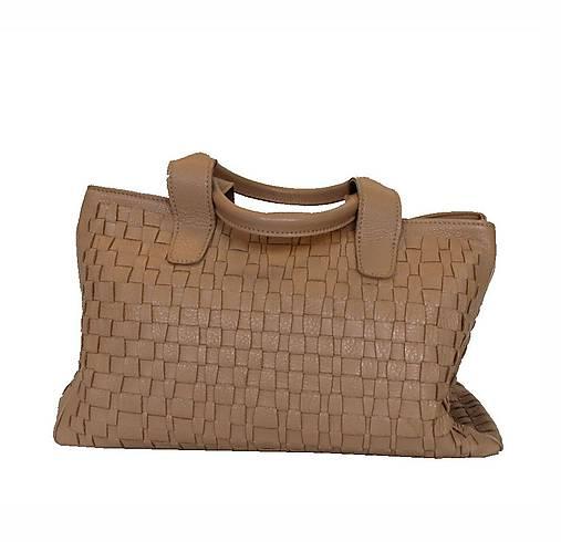 0e7775a9a2 Originálna tkaná kožená kabelka č. 8634 v bežovej farbe   Kozena ...