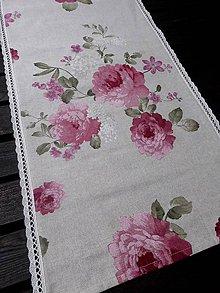 Úžitkový textil - STŘEDOVÝ BĚHOUN .. růžové květy - 8153732_