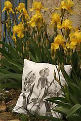 Úžitkový textil - Obojstranný maľovaný poťah na vankúš čiernobielo/farebný (Iris) - 8159741_