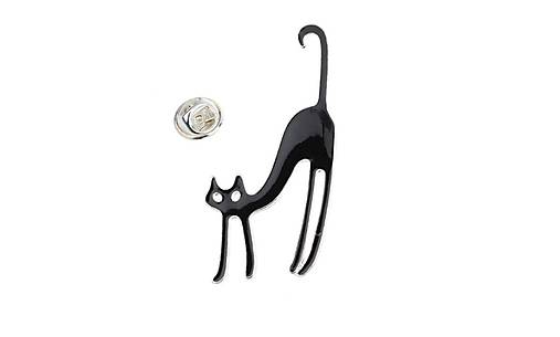veľké čierne mačička pery