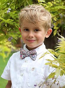 Detské doplnky - Detský motýlik z kvetinovej exkluzívnej látky - 8163767_