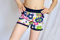 Detské oblečenie - Letné kraťasy detské Colorful flowers - 8165099_