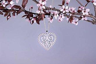 Náhrdelníky - Prívesok Ornamentové srdce 3cm - chirurg. ocel/ pozlatene - 8168551_
