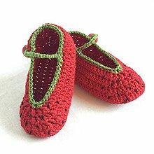 Topánočky - Háčkované papučky jahôdky - 8169998_