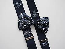 Doplnky - Pánsky motýlik a traky- s ľudovým vzorom v modrom - 8172680_
