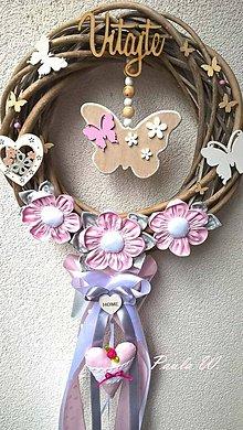 Dekorácie - Motýlikový veniec - 8171749_