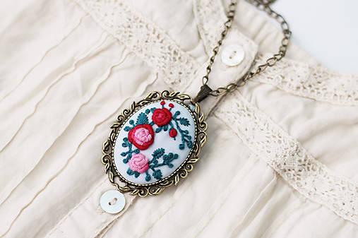 63e546da9 Vyšívanky - vintage ruže náhrdelník + brošňa / arcoiris - SAShE.sk ...
