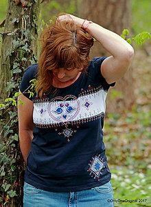 Tričká - Dámske tričko šité a maľované, folk MODRÔ - 8177436_