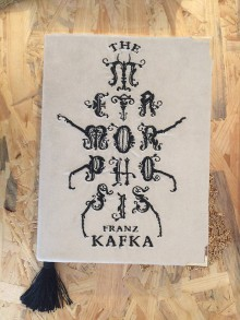 Kabelky - Kabelka v podobě knihy Franz Kafka Metamorphosis - 8177459_