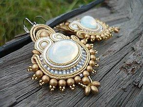 Náušnice - Soutache náušnice Luxury White Opal&Gold - 8181562_