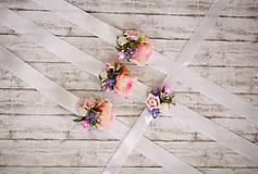 Náramky - Kvetinový náramok pre malé družičky - 8182635_