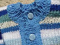Detské oblečenie - modroprúžkovaný svetrík - 8181698_