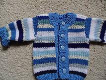 Detské oblečenie - modroprúžkovaný svetrík - 8181704_
